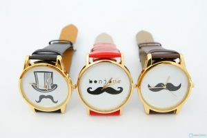 đồng hồ hình bộ râu4