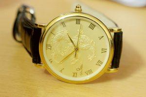 đồng hồ in hình rồng1