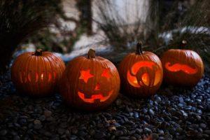 cách tỉa bí ngô halloween